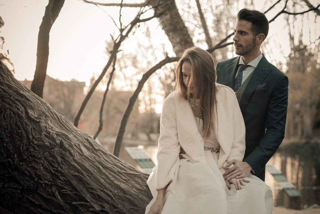 fotografo-trash-the-dress-postboda-wedding-girona-puigcerda-nadal-christmas-xmas-navidad-011.jpg
