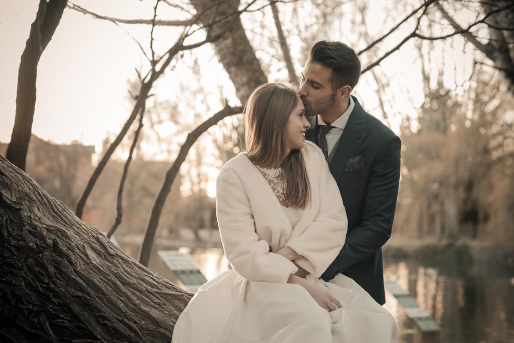 fotografo-trash-the-dress-postboda-wedding-girona-puigcerda-nadal-christmas-xmas-navidad-013.jpg