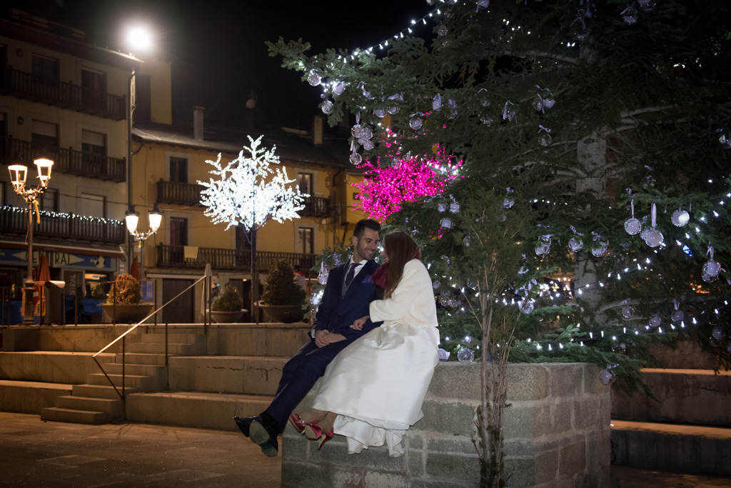 fotografo-trash-the-dress-postboda-wedding-girona-puigcerda-nadal-christmas-xmas-navidad-031.jpg
