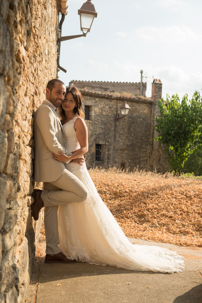 fotografo-postboda-trash-the-dress-peratallada-girona-funsessions-003.jpg