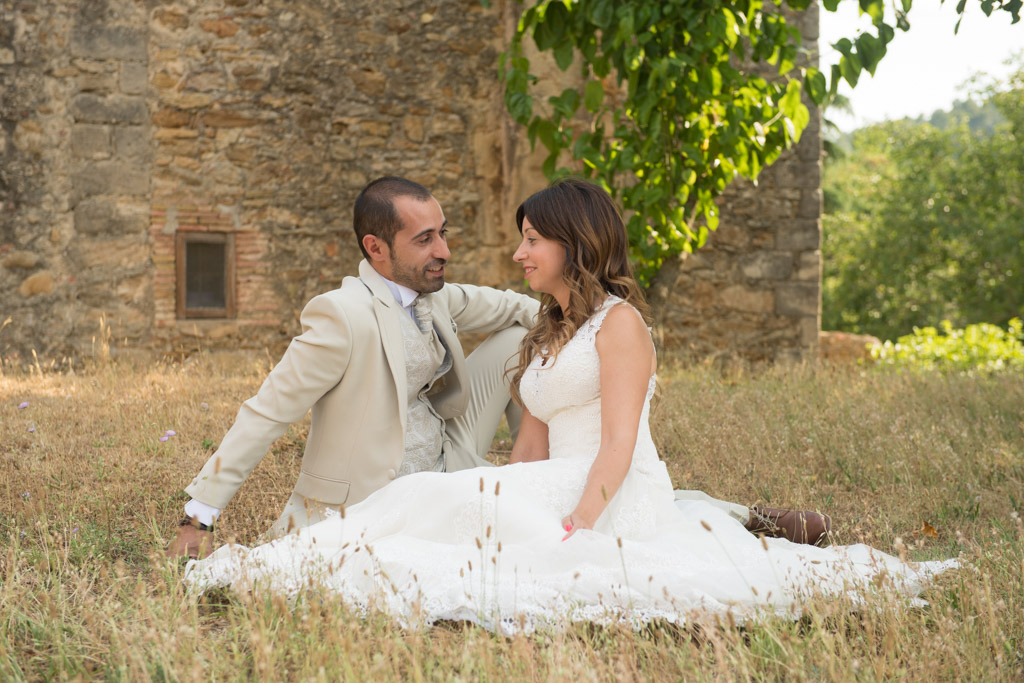 fotografo-postboda-trash-the-dress-peratallada-girona-funsessions-004.jpg