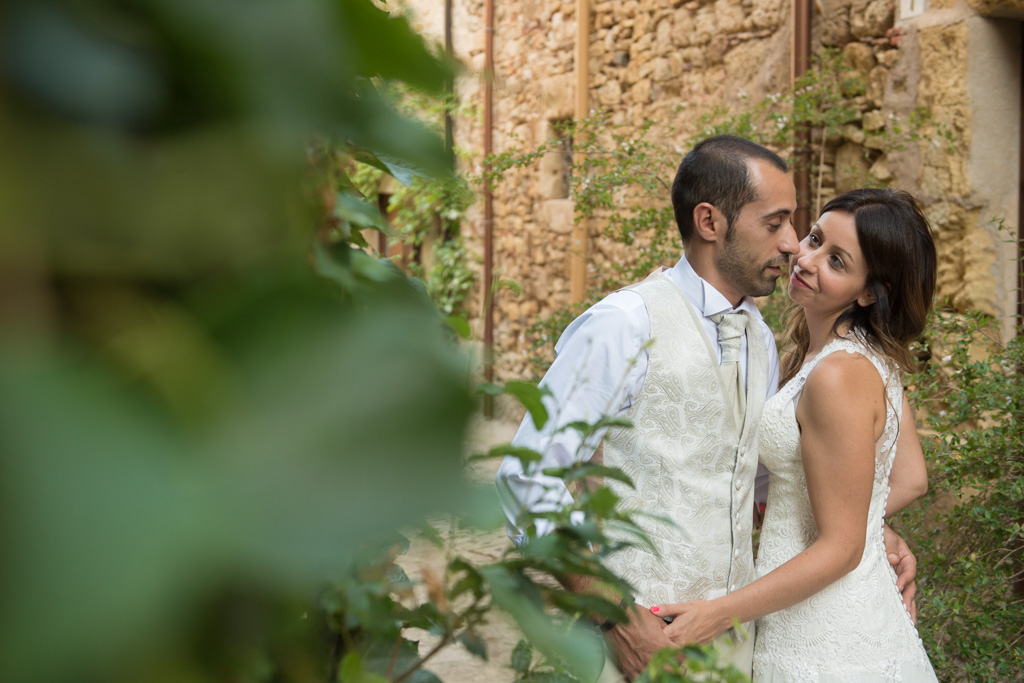 fotografo-postboda-trash-the-dress-peratallada-girona-funsessions-013.jpg