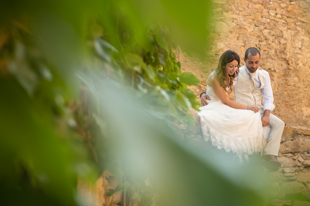 fotografo-postboda-trash-the-dress-peratallada-girona-funsessions-015.jpg