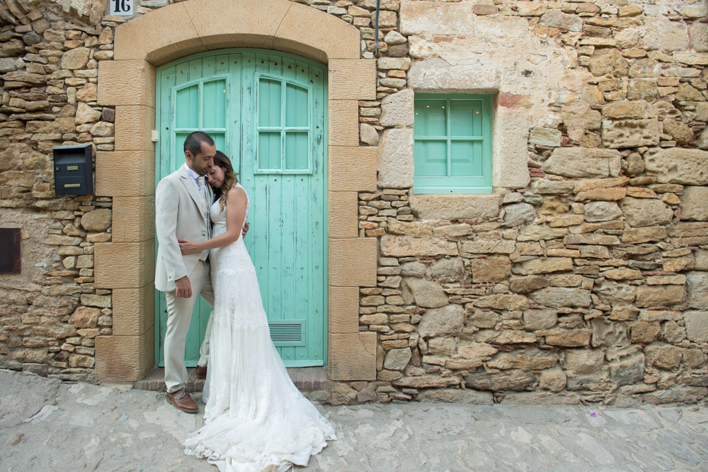 fotografo-postboda-trash-the-dress-peratallada-girona-funsessions-017.jpg