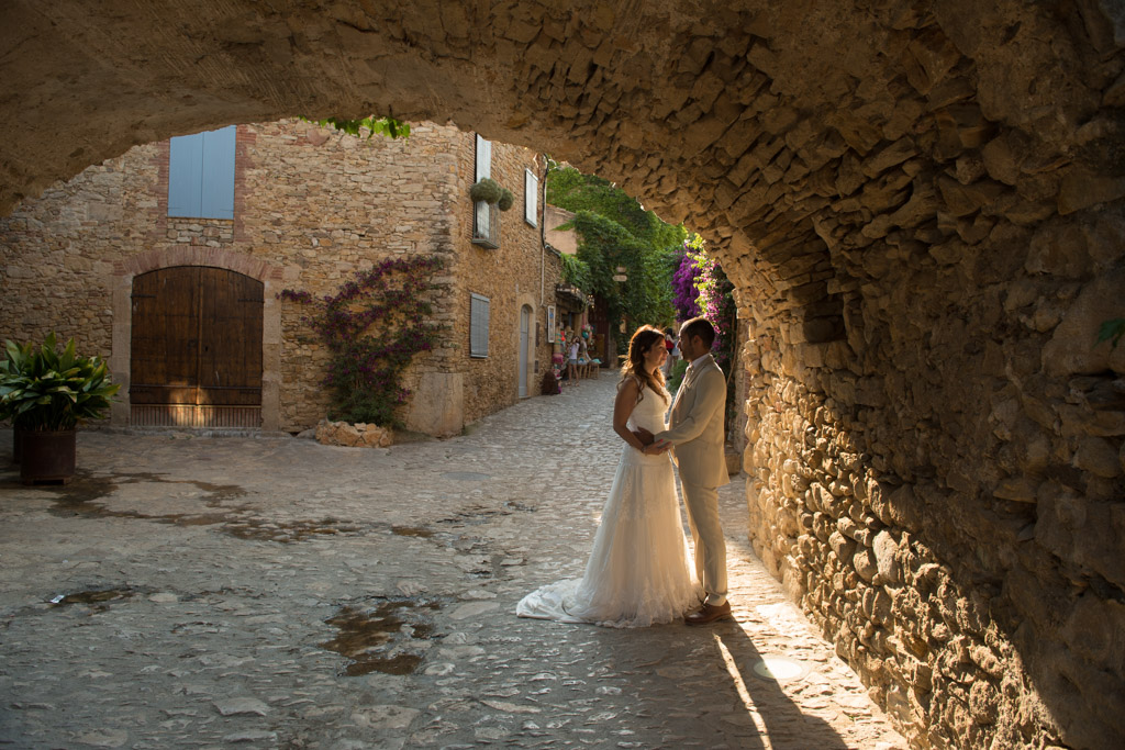 fotografo-postboda-trash-the-dress-peratallada-girona-funsessions-021.jpg