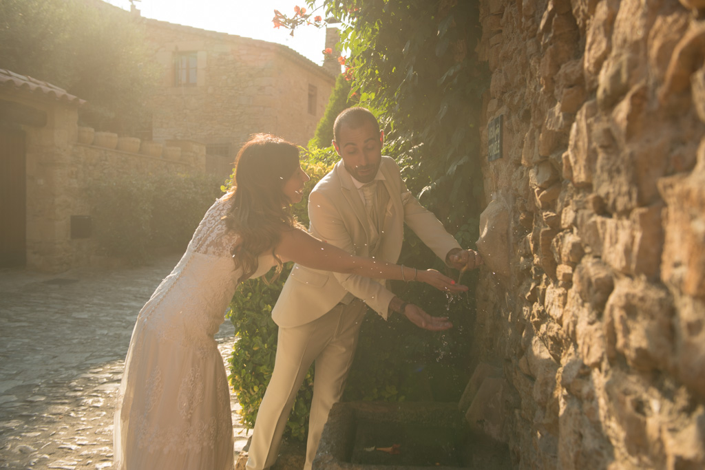 fotografo-postboda-trash-the-dress-peratallada-girona-funsessions-026.jpg
