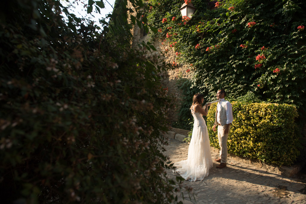 fotografo-postboda-trash-the-dress-peratallada-girona-funsessions-029.jpg