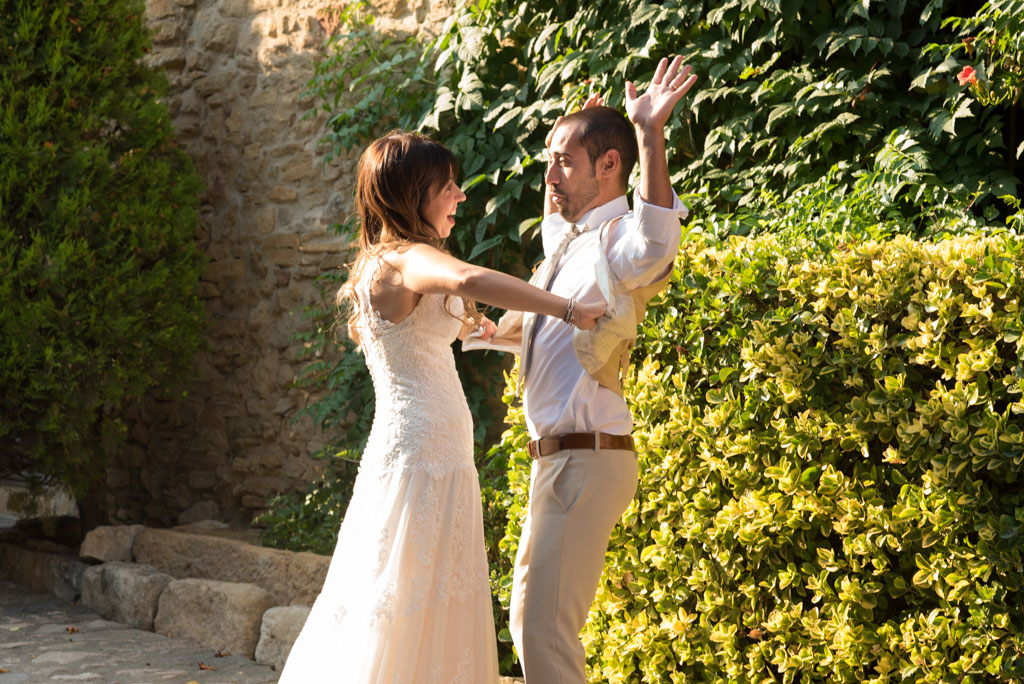 fotografo-postboda-trash-the-dress-peratallada-girona-funsessions-030.jpg