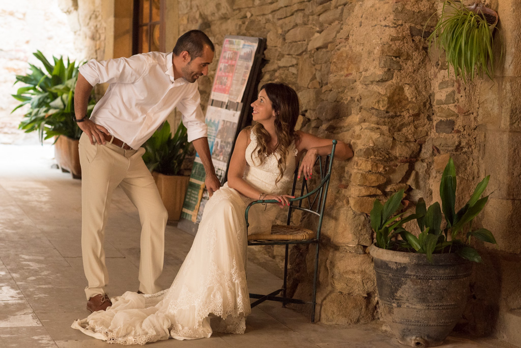 fotografo-postboda-trash-the-dress-peratallada-girona-funsessions-036.jpg