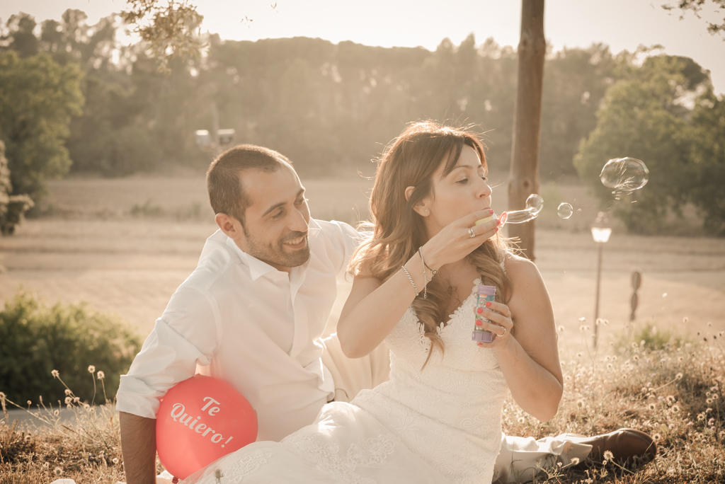 fotografo-postboda-trash-the-dress-peratallada-girona-funsessions-044.jpg