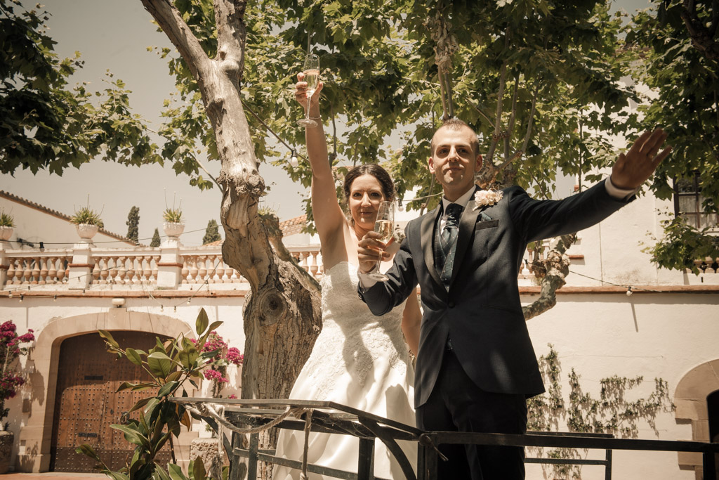 fotografos-bodas-weddings-casaments-casamentsgirona-casamentsbarcelona-preboda-engagementsession-trashthedress-bridal-shower-despedidas-solteras-comiats-party-festa-fiesta-081.jpg