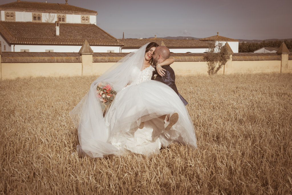 fotofrafos-bodas-weddings-casaments-casamentsgirona-casamentsbarcelona-preboda-engagementsession-trashthedress-070.jpg