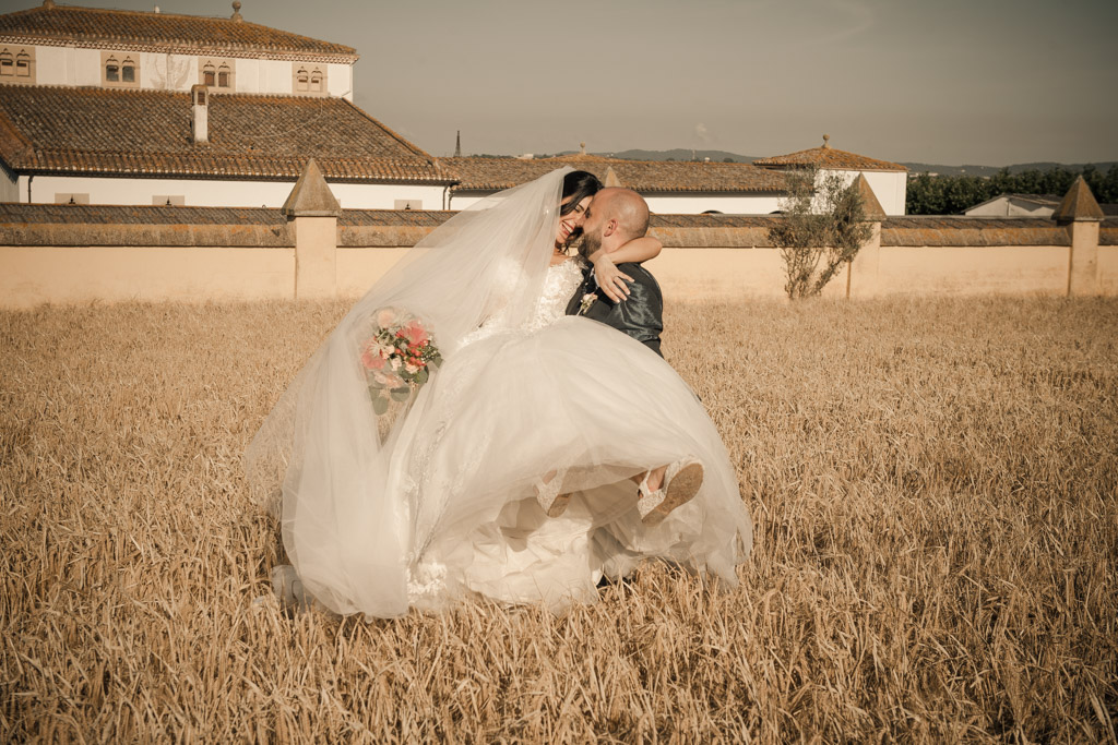 fotofrafos-bodas-weddings-casaments-casamentsgirona-casamentsbarcelona-preboda-engagementsession-trashthedress-071.jpg