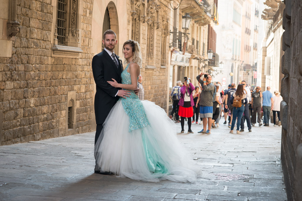 fotografo-barcelona-trash-the-dress-wolf-fotografia-destination-wedding-025.jpg