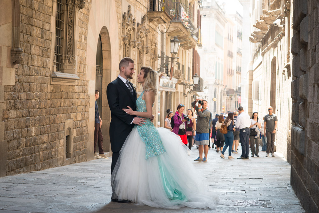 fotografo-barcelona-trash-the-dress-wolf-fotografia-destination-wedding-026.jpg