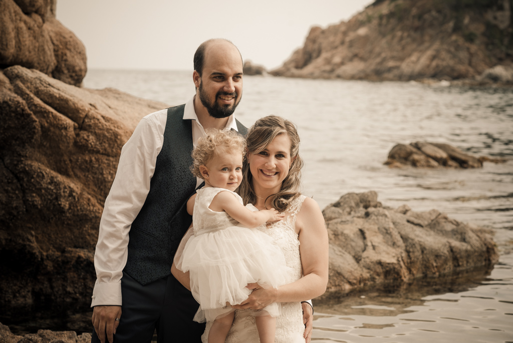 fotograf-trash-the-dress-girona-postboda-costa-brava-002.jpg