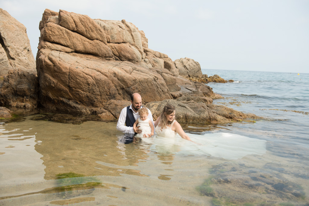 fotograf-trash-the-dress-girona-postboda-costa-brava-005.jpg