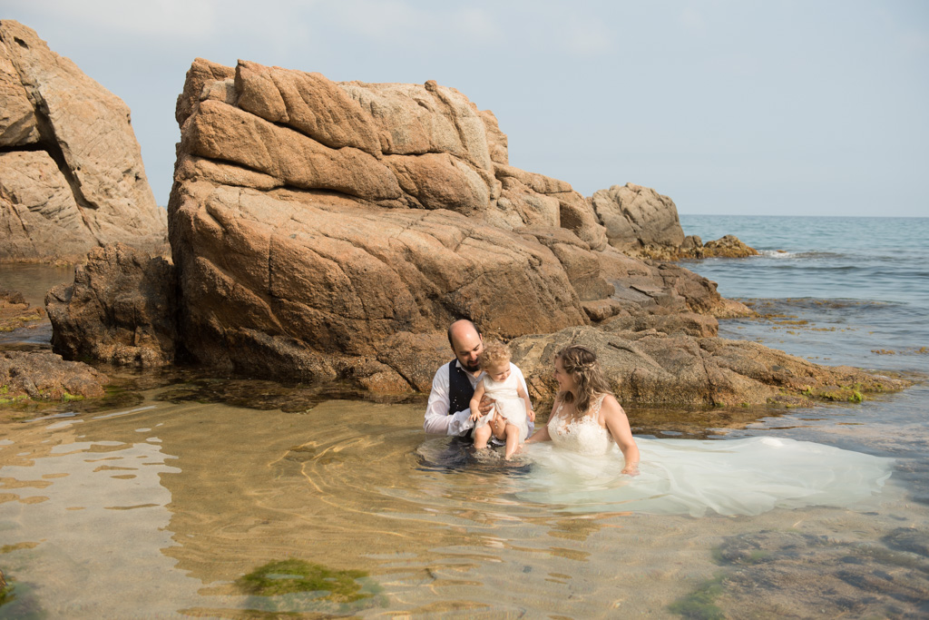 fotograf-trash-the-dress-girona-postboda-costa-brava-007.jpg