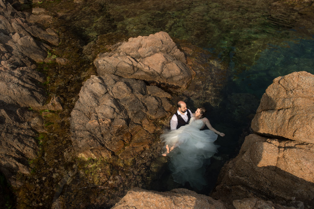 fotograf-trash-the-dress-girona-postboda-costa-brava-031.jpg