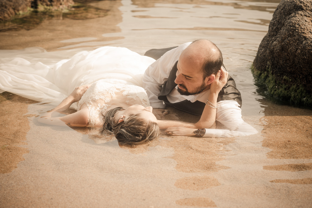 fotograf-trash-the-dress-girona-postboda-costa-brava-037.jpg