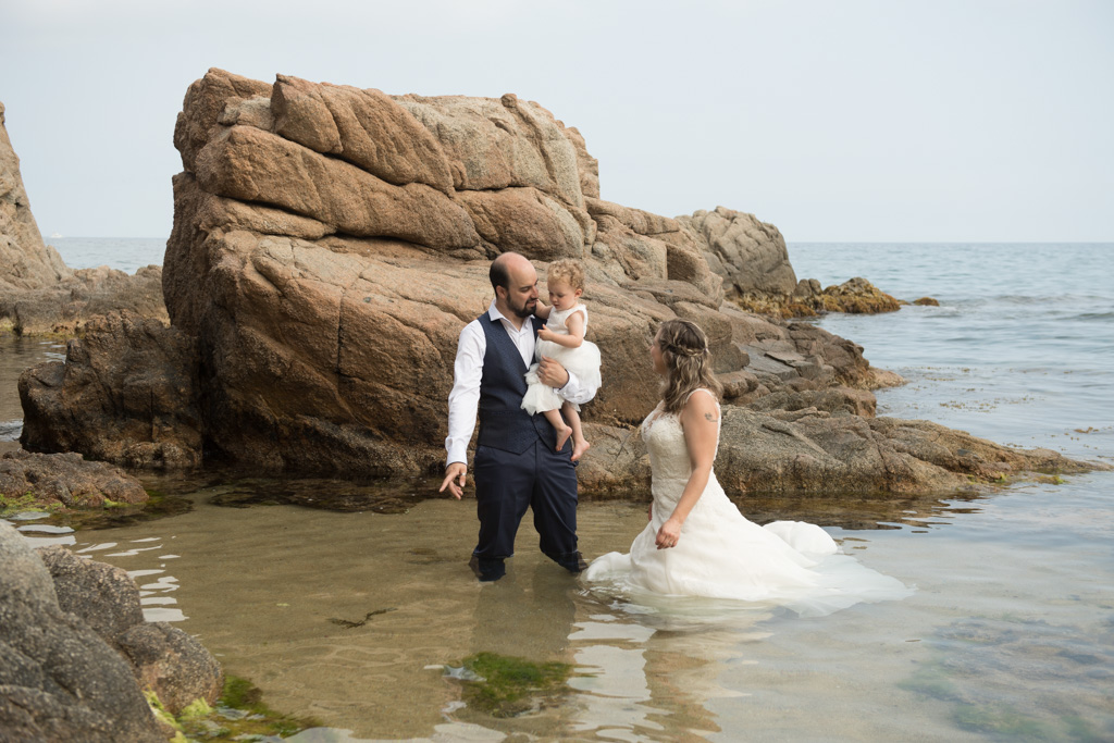 fotograf-trash-the-dress-girona-postboda-costa-brava-003.jpg