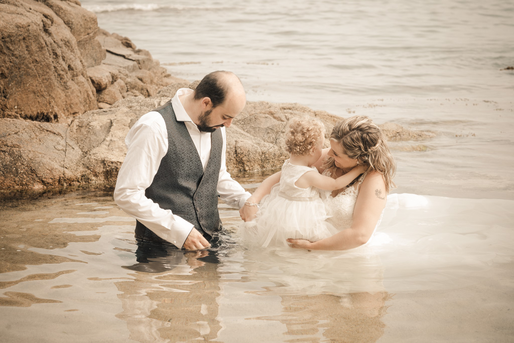 fotograf-trash-the-dress-girona-postboda-costa-brava-004.jpg