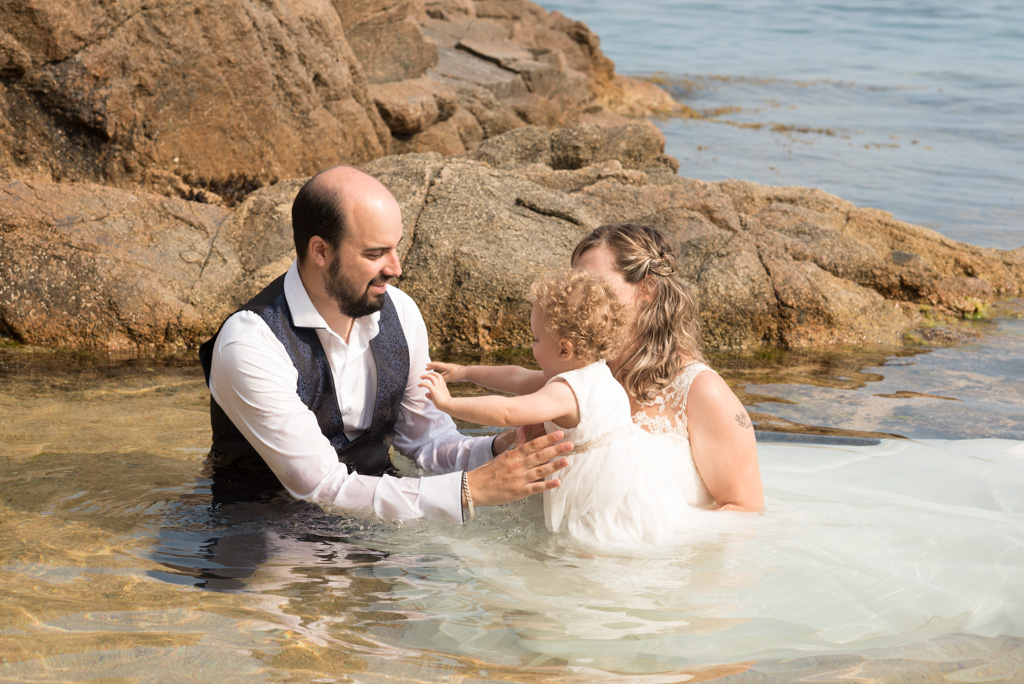 fotograf-trash-the-dress-girona-postboda-costa-brava-013.jpg
