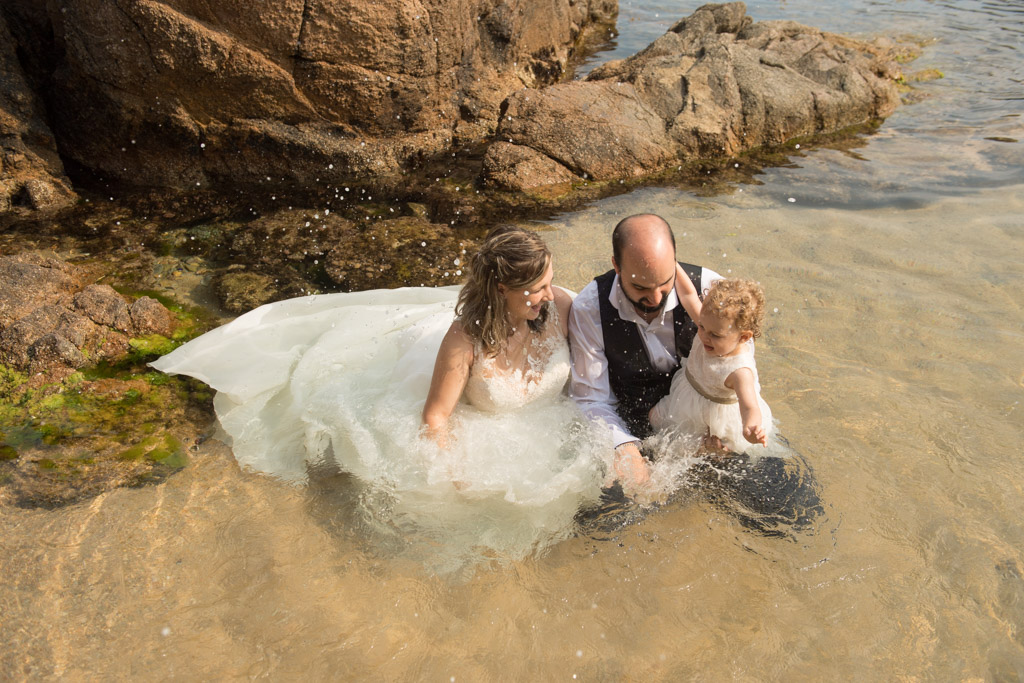 fotograf-trash-the-dress-girona-postboda-costa-brava-018.jpg