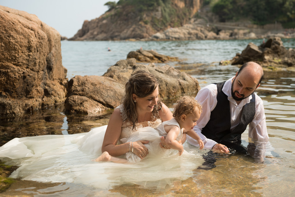 fotograf-trash-the-dress-girona-postboda-costa-brava-022.jpg