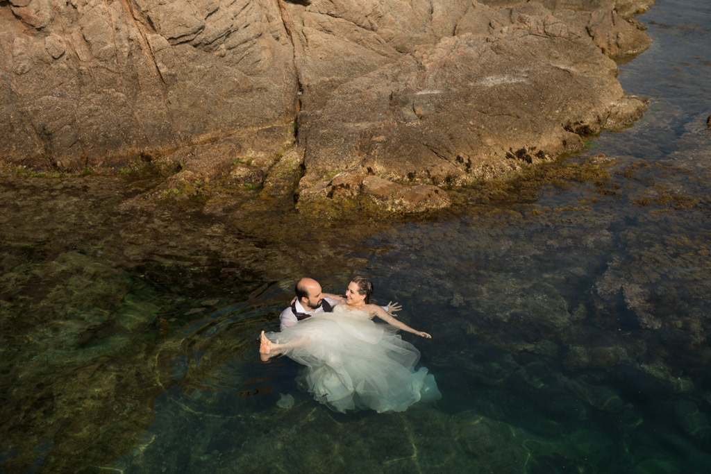 fotograf-trash-the-dress-girona-postboda-costa-brava-034.jpg