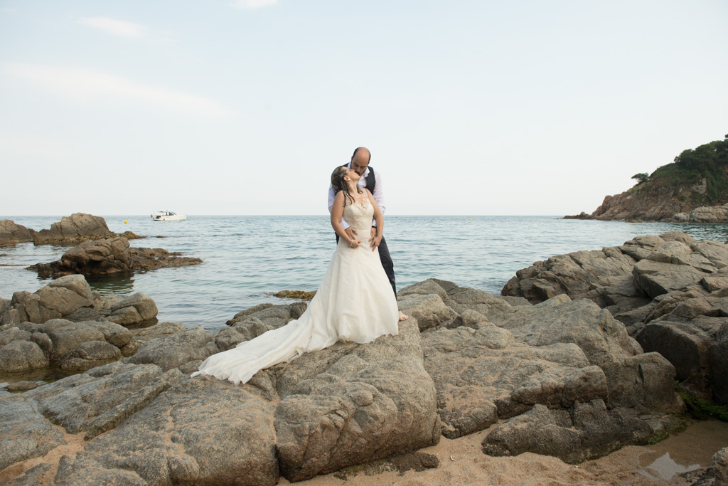 fotograf-trash-the-dress-girona-postboda-costa-brava-040.jpg